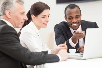 explain_group_computer_meeting_business