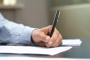 taking-notes-writing
