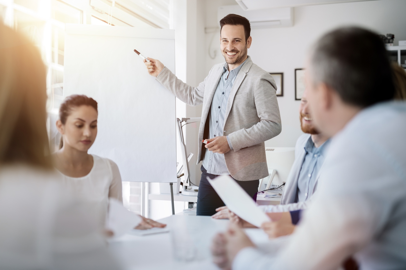 Sales Demos vs. Sales Presentations: What's the Difference?