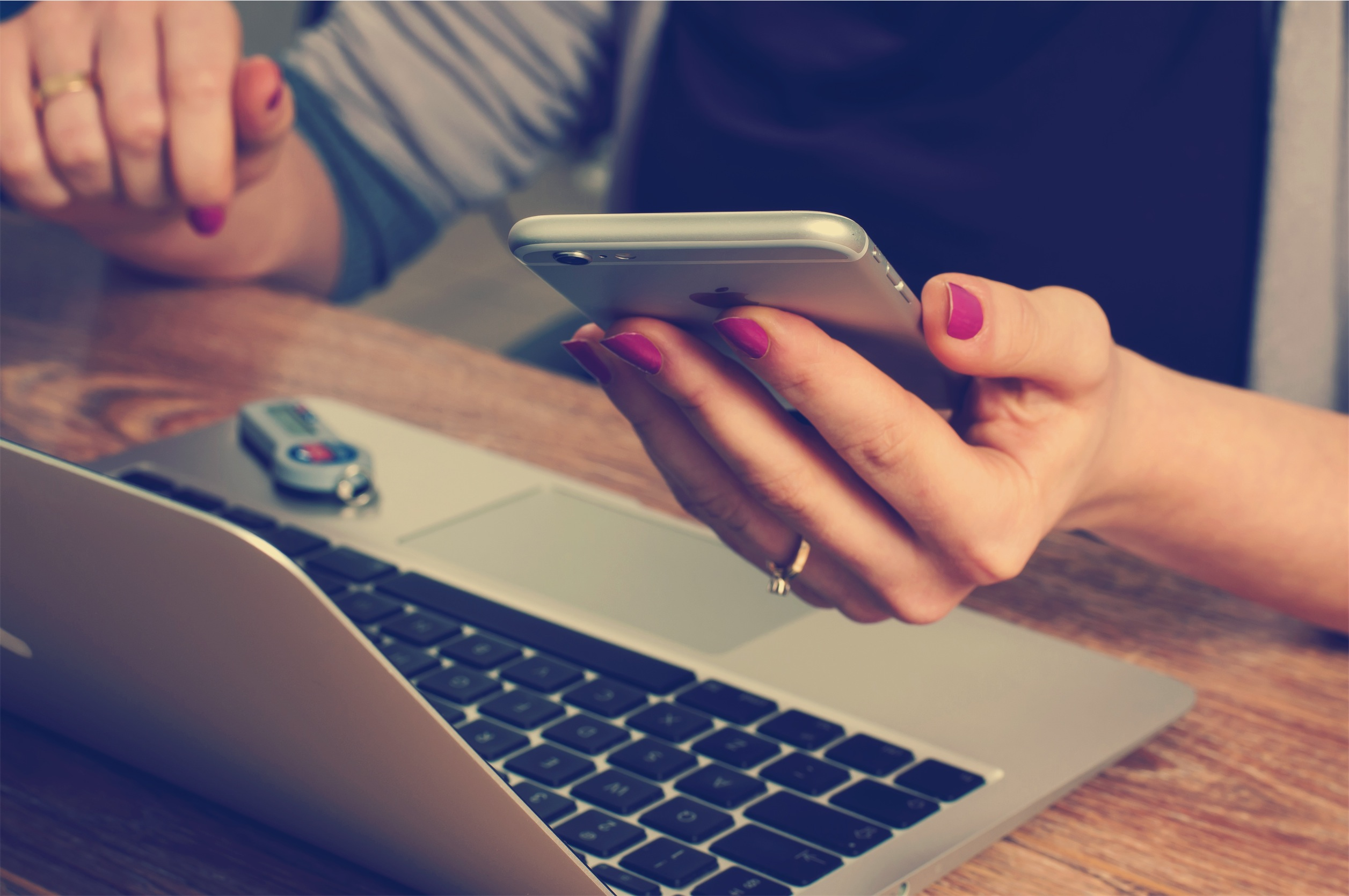 Rouse Your Silent Prospects: How to Craft Emails and Voicemails that Get Responses